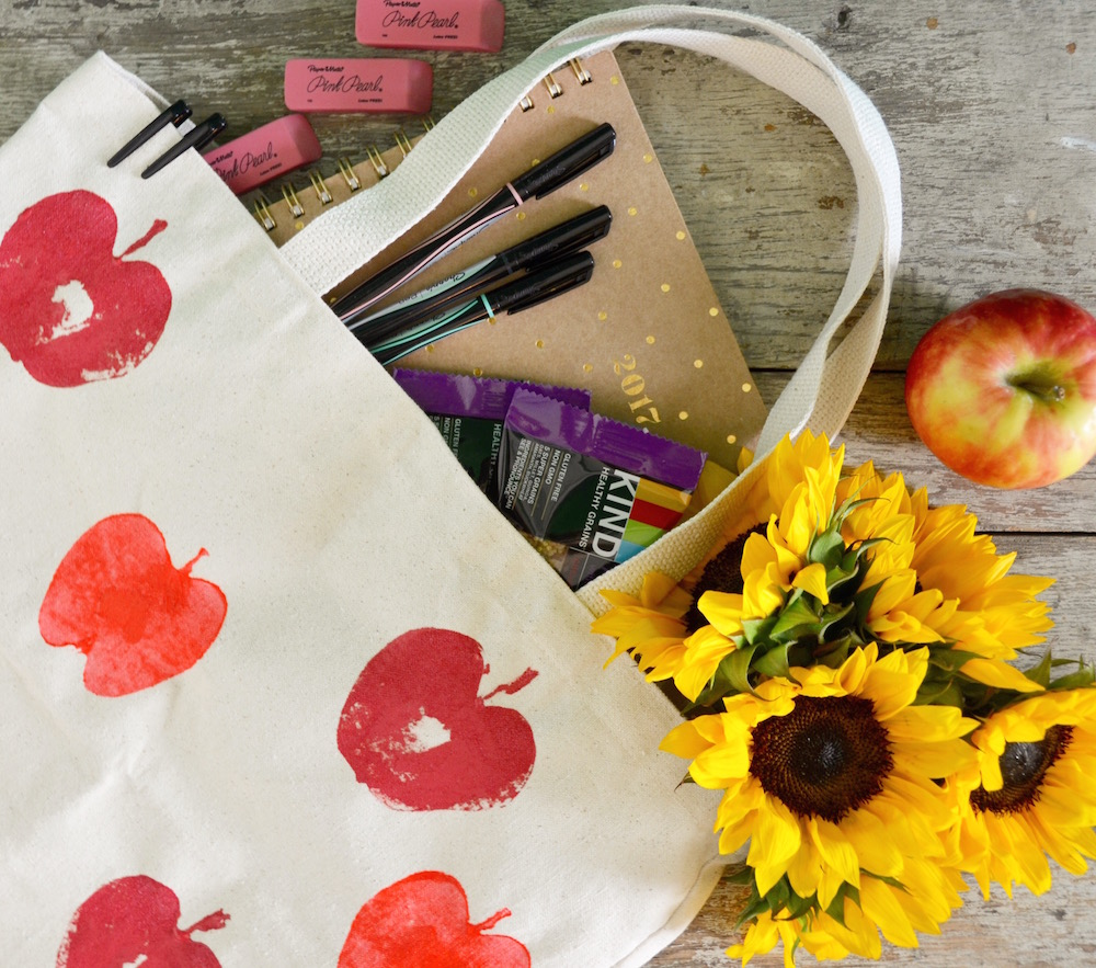 Teacher Thank you DIY: Apple Tote Bag